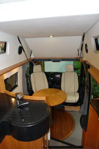 bildergalerie individuelle wohnmobile reisemobile rollstuhlmobile und behindertengerechte. Black Bedroom Furniture Sets. Home Design Ideas